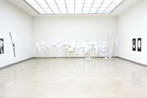 http://huberhuber.com/files/gimgs/th-17_17_installationsansicht-oberlichtsaal-2stock-handhabungen-f9fr-die-andere-seite2.jpg